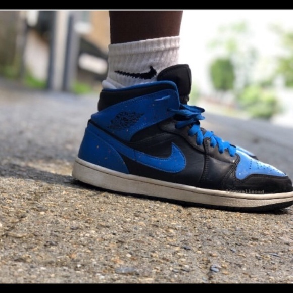 size 40 864b2 26253 A pair of blue and black air Jordan 1s 🔵⚫️